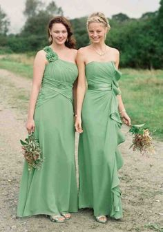 Shop bridesmaid dressses by color, price, silhouette and trend to create your perfect look. Available in sizes through plus size in 40 colors and many styles, find the right bridesmaid dresses at David's Bridal today. Mint Green Bridesmaid Dresses, Bridesmaid Dresses Plus Size, Bridesmaid Gowns, Wedding Beauty, Dream Wedding, Wedding Bridesmaids, Wedding Dresses, Maid Of Honour Dresses, Fashion Corner