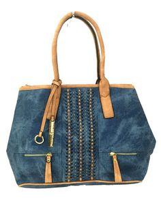 Com um designe modernoessa bolsa é supreendente em seu estilo.Bolsa…