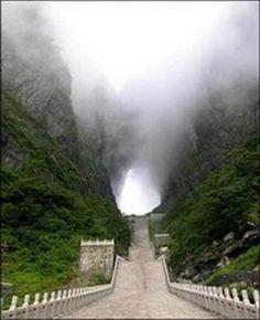 'Heavens Door' Tianmen Mountain, China