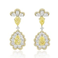 Earrings in 18k gold and titanium, with fancy yellow diamonds and white diamonds, from the 2016 Chopard Red Carpet collection.