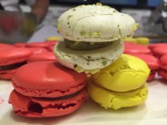Macarons, Cookies, Desserts, Food, Crack Crackers, Tailgate Desserts, Deserts, Biscuits, Essen