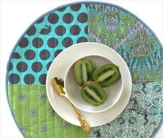Round Patchwork Placemats with Straight Line Quilting | Sew4Home