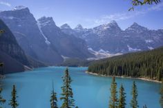Valley of the Ten Peaks in Banff National Park in Canada  - © Thinkstock