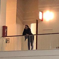 Loki is watching you Tom Hiddleston watching the Chris Evans, Karen Gillian, and Lee Pace panel. Marvel Jokes, Marvel Funny, Marvel Avengers, Thomas William Hiddleston, Tom Hiddleston Loki, Marvel Photo, Man Thing Marvel, Loki Laufeyson, Mood Pics