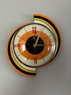 Unusual Clocks, Cool Clocks, Mid Century Decor, Mid Century Style, Sunburst Clock, Wall Clock Hands, Retro Clock, Vintage Wall Clocks, Style Retro