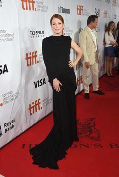 Julianne Moore wearing Giambattista Valli. See her style file here - Vogue Australia