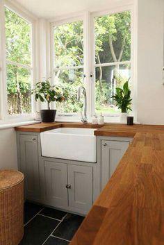 New kitchen backsplash grey cabinets butcher blocks ideas Country Kitchen, New Kitchen, Kitchen Dining, Kitchen Decor, Kitchen Grey, Copper Kitchen, Kitchen Wood, Kitchen Modern, Kitchen Colors