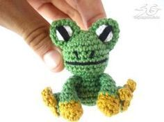 Amigurumi Frog - free crochet pattern in English and German by Jonas Matthies / Supergurumi Crochet Frog, Crochet Toys, Free Crochet, Cross Stitch Patterns, Crochet Patterns, Crochet Keychain, General Crafts, Amigurumi Doll, Loom Knitting