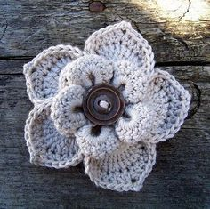 Crochet flower. by marisol