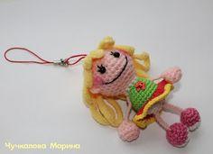 куколка-брелок крючком
