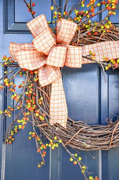 7 FABULOUS OUTDOOR FALL WREATHS DIY - StoneGable Put a big beautiful fall wreath on your front door. One that will get noticed! Here are 7 gorgeous, easy fall wreaths to make with lots of tips to give them a designer look! Outdoor Fall Wreaths, Easy Fall Wreaths, Christmas Mesh Wreaths, Diy Fall Wreath, Ribbon Wreaths, Yarn Wreaths, Winter Wreaths, Floral Wreaths, Prim Christmas