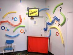 Inside look at the san diego church tour ~ relevant children's ministry Science Room Decor, Science Lab Decorations, Wall Decorations, Robot Classroom, Classroom Decor, Science Classroom, Gadgets And Gizmos Vbs, Ideas Decoracion Salon, Maker Fun Factory Vbs