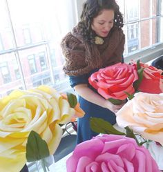 Tutorial to make large Crepe Paper Roses created by Morgan Levine at Martha Stewart Website (there is a video too!) Tutorial to make large Crepe Paper Roses created by Morgan… Handmade Flowers, Diy Flowers, Fabric Flowers, Giant Flowers, Large Flowers, Diy Paper, Paper Crafts, Tissue Paper, Crepe Paper Roses