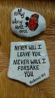 Painted Rock Ideas that will inspire you to start creating! Don't be intimidated by all the rocks you see. Rock painting ideas are perfect for beginners! Rock Painting Ideas Easy, Rock Painting Designs, Paint Designs, Stone Crafts, Rock Crafts, Stone Painting, Diy Painting, Pebble Painting, Prayer Rocks