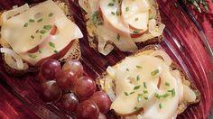 Jarlsberg, Onion and Apple Canapés