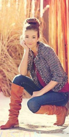 Teenager Photography, Teenage Girl Photography, Girl Photography Poses, Vogue Fashion Photography, Street Photography People, Best Photo Poses, Girl Photo Shoots, Cool Poses, Teenage Girl Outfits