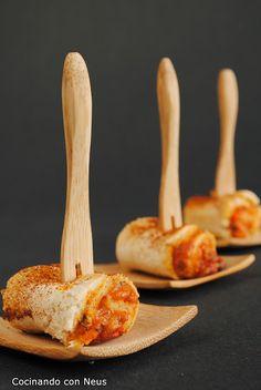 Rollitos de pimiento y queso cheddar