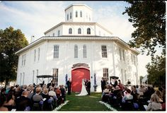 Red mile round barn <3