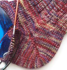 ich bin grad sehr begeistert :-) – Knitting For Beginners Knitting Patterns Free, Free Knitting, Baby Knitting, Free Crochet, Crochet Patterns, Easy Crochet, Easy Knitting Projects, Knitting For Beginners, Crochet Projects