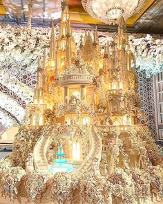 extravagant wedding cakes new ideas wedding cakes unique amazing Huge Wedding Cakes, Castle Wedding Cake, Extravagant Wedding Cakes, Amazing Wedding Cakes, Wedding Cake Designs, Amazing Cakes, Extreme Wedding Cakes, Wedding Ideas, Crazy Wedding