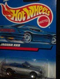 #2000-165 Jaguar XK8 Collectible Collector Car Mattel Hot Wheels 1:64 Scale