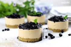 Karamelové mini cheesecaky - Coolinári | food blog Small Desserts, Sweet Desserts, No Bake Desserts, Dessert Recipes, Best Cookie Recipes, Sweet Recipes, Baking Recipes, Mini Cakes, Cupcake Cakes
