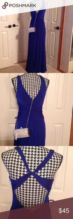 NWOT Laundry by Shelli Segal blue gown Gorgeous new gown with open back. Bought for an event but never worn. Size 6 Laundry by Shelli Segal Dresses