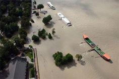 Dunaj v Bratislave prekonal rekordnú úroveň z roku 2002. Zábery zo vzduchu od nášho čitateľa. Bratislava