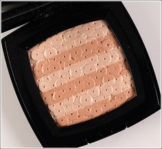 Chanel Lumiere d'Artifices Beiges Illuminating Powder Review, Photos, Swatches