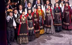 Ζαγορίσιες  φορεσιές από εκδήλωση του Πολιτιστικού Συνδέσμου Ζαγορισίων Greece, Sari, Dresses, Fashion, Greece Country, Saree, Vestidos, Moda, Fashion Styles