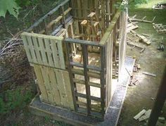 Click image to see step-by-step images of sheds,  chicken coops, doghouses and a play fort made from shipping pallets. Reuse It >> http://www.pinterest.com/slowottawa/reuse-it/