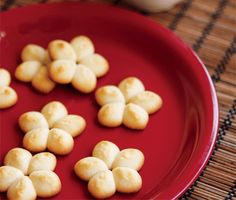 Chinese Butter Cookies Recipe From The Chinese Takeout Cookbook By Diana Kuan (Epicurious February select recipe tab to view recipe Mini Desserts, Cookie Desserts, Just Desserts, Cookie Recipes, Dessert Recipes, After Dinner Mints, Bite Size Cookies, Spritz Cookies, Butter Cookies Recipe