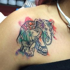 I must say these water color tattoos have become super trendy but for good reason they look nice. #elephant #elephanttattoo  #watercoler #watercolorart #watercolortattoo #elephanttattoo #animallover #mother #son #love #instagood #jcmakeityours #color #colortattoo #girlswithtattoos by dotyart