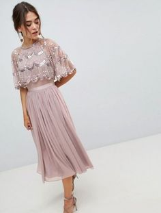 Buy ASOS DESIGN Scallop Hem Embellished Crop Top Midi Dress at ASOS. Get the latest trends with ASOS now. Trendy Dresses, Modest Dresses, Casual Dresses, Prom Dresses, Formal Dresses, Dress Outfits, Fall Outfits, Fashion Dresses, Crop Top Elegante