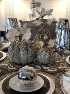 55 Interesting and Unique Pumpkin Centerpieces and Table Decorations for Halloween ⋆ BrassLook Thanksgiving Decorations, Seasonal Decor, Halloween Decorations, Table Decorations, Thanksgiving Table, Fall Lanterns, Pumpkin Centerpieces, Fall Projects, Fall Table