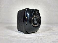 Fotocamera a soffietto per lastre - Germania, primi anni 30  Kodak Six-20 620 Junior - 1935  Kodak Vollenda 620 - 1934-39  Ferrania-Filma - Italia, 1935-1937  Zeiss Ikon - Box Tengor - Germania, 1930