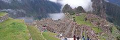 Machu Picchu es una ciudad inca rodeada de templos, andenes y canales de agua, construida en lo más alto de una montaña. Su construcción fue edificada con grandes bloques de piedra unidas entre sí, sin el uso de amalgama. Actualmente es considerada patrimonio cultural de la humanidad al ser reconocida como importante centro político, religioso y administrativo de la época incaica.