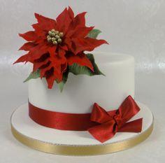 Poinsetta Christmas Cake 07917815712 www.fancycakesbylinda.co.uk www.facebook.com/fancycakeslinda