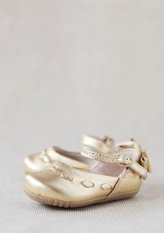 Darling flower girl shoes Lara Sapa Mary Jane Shoes at #Ruche @shopruche
