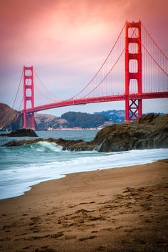 Read the top 10 things to do in San Francisco! From visiting Lombard Street to Pier San Francisco offers an endless opportunity of things to see and do! San Francisco Travel, San Francisco California, California Dreamin', Baker Beach San Francisco, Campbell California, San Francisco Bridge, San Francisco Bay, Places To Travel, Travel Destinations