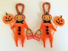 vintage style chenille ornaments for all occasions. by StanleyAndStewart Halloween Ornaments, Halloween Trees, Dog Ornaments, Halloween Cat, Halloween Decorations, Vintage Halloween Crafts, Rustic Halloween, Samhain Halloween, Halloween Goodies
