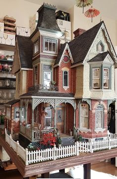Victorian Dollhouse, Victorian Homes, Sims Building, Building A House, Dollhouse Design, Sims 4 House Design, Casas The Sims 4, Doll House Crafts, Mini Doll House