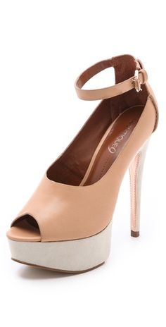 Boutique 9 Pali Choked Pumps