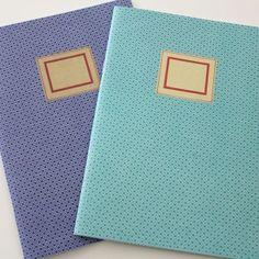 2 cahiers de notes bleus Froy  & Dind. En vente sur http://www.chatfoin.com
