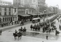 1900 Boer War March, Swanston St  along side Young & Jacksons hotel