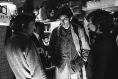 Invasion of the Body Snatchers (1978). l to r: Leonard Nimoy, Jeff Goldblum and director Philip Kaufman