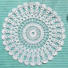 crochet doily by celina.neo crochet doily by celina. Crochet Dollies, Crochet Buttons, Crochet Doily Patterns, Granny Square Crochet Pattern, Crochet Round, Crochet Motif, Diy Crochet, Crochet Star Stitch, Filet Crochet
