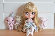https://www.etsy.com/fr/listing/273355586/gigi-artdoll-ooak-custom-blythe-doll?ref=shop_home_active_1