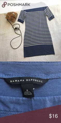 Final sale! Banana Republic dress 95% rayon 5% spandex. Hits just above the knee. Great condition. Smoke and pet free home. Banana Republic Dresses Midi