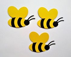 Bee Crafts For Kids, Diy And Crafts, Paper Crafts, Bee Template, School Picture Frames, Bee Pictures, Bee Party, Bee Theme, Hand Embroidery Designs